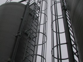 Chemnitz CHP plant acid tank piping